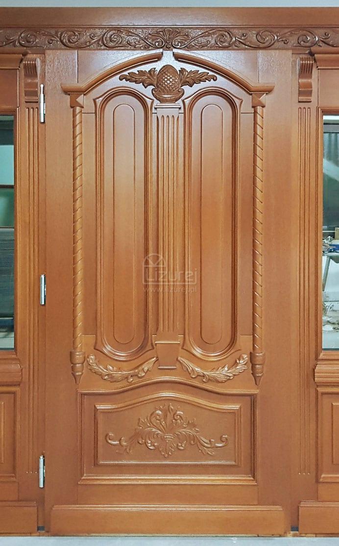 Drzwi zewnętrzne drewniane rzeźbione pod wymiar i projekt klienta LZ580