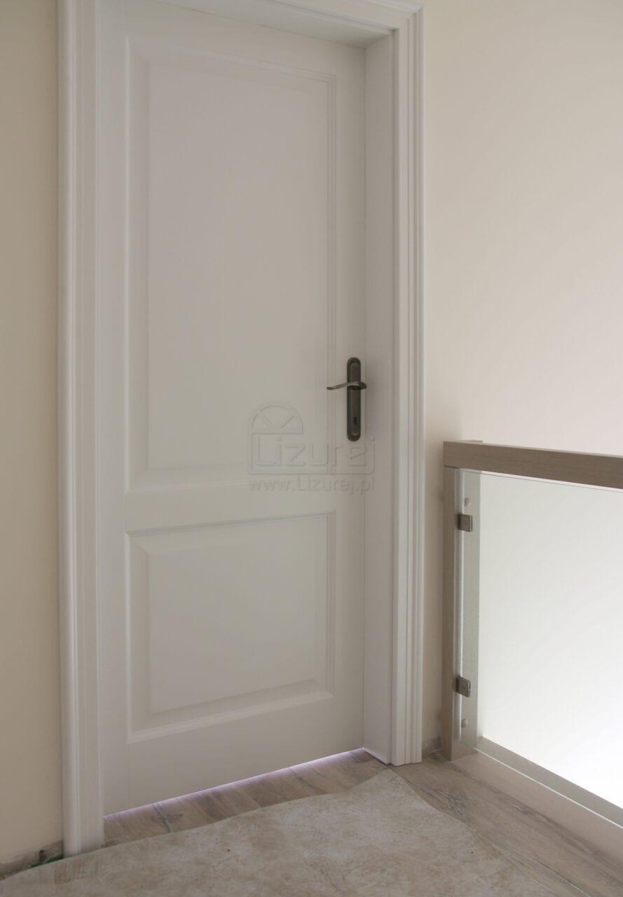 Drzwi wewnętrzne drewniane białe LW460