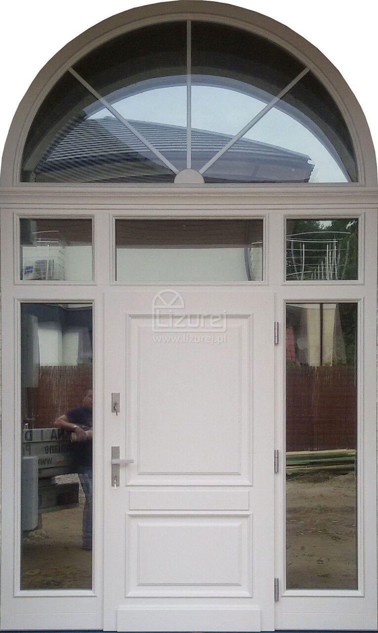 Drzwi zewnętrzne drewniane dom Parkowa z łukiem LZ 572