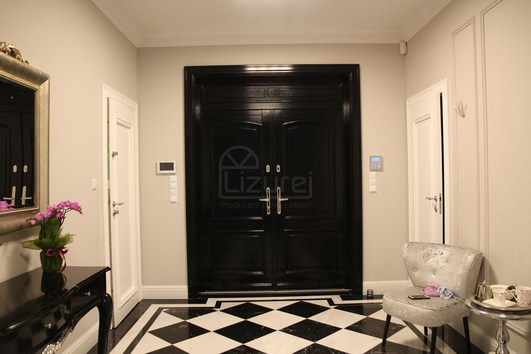 drzwi_drewniane_zewnętrzne_czarne_z_dostawką_LZ498-8