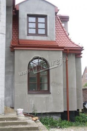 okna_z_lukiem_2