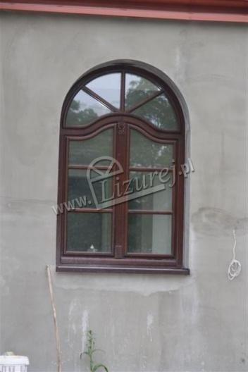 okna_z_lukiem_3