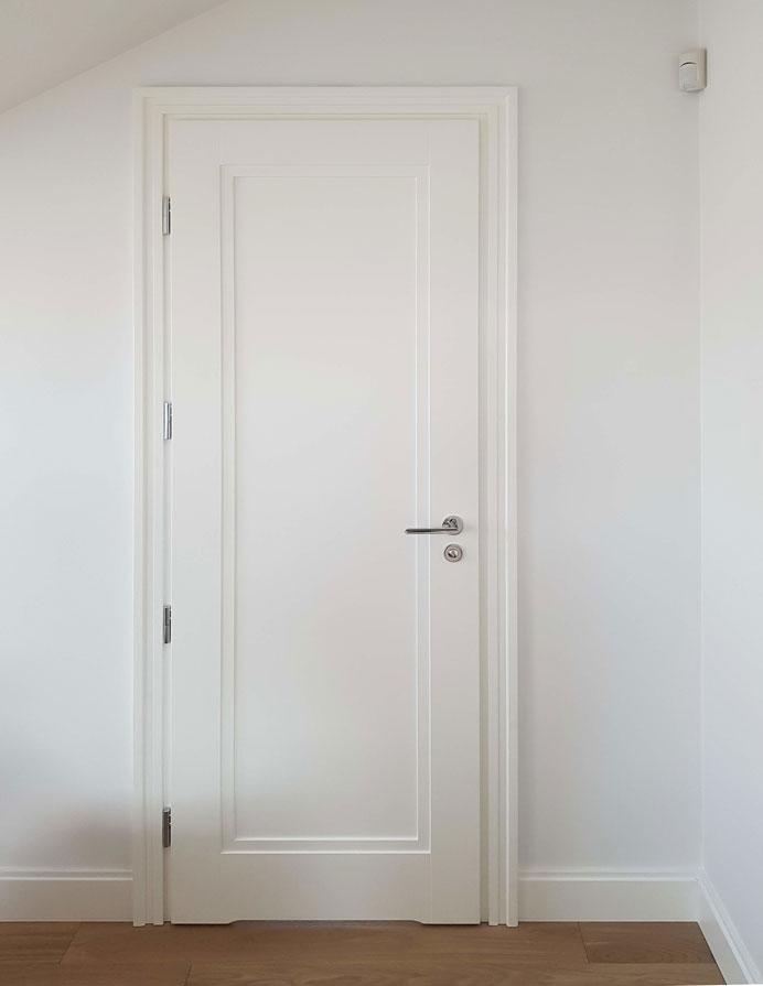 Drzwi wewnętrzne drewniane białe angielskie LW531