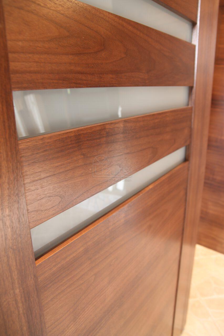 Drzwi Wewnętrzne Drewniane Orzech Amerykański Szkło LW305