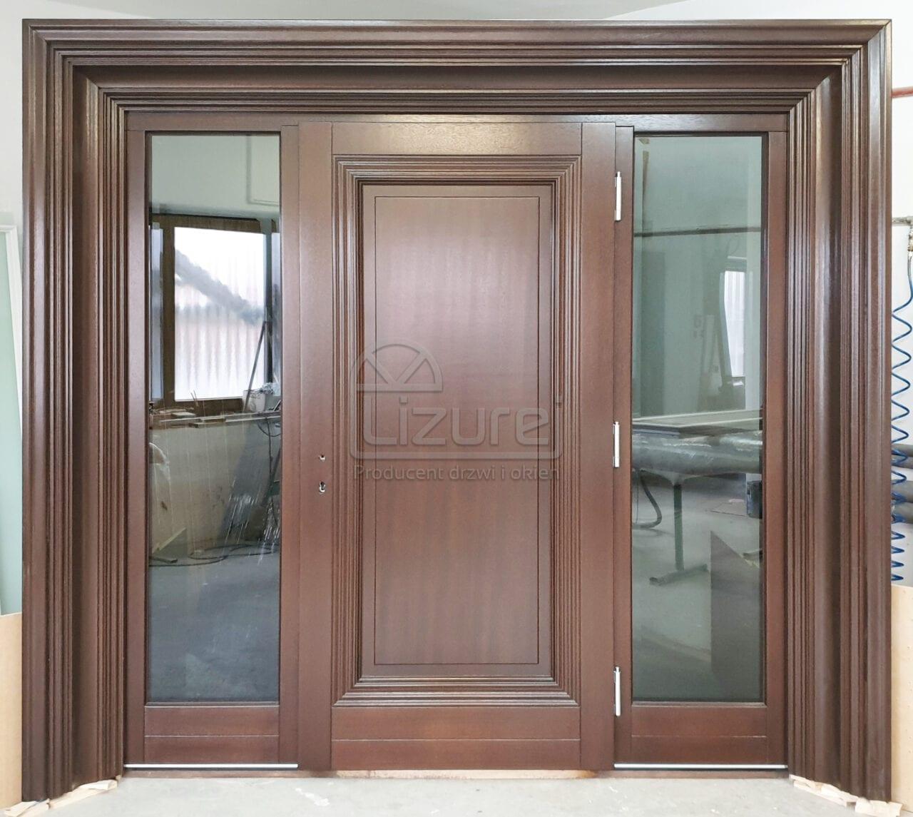 Drzwi zewnętrzne drewniane z oprawą Model LZ638