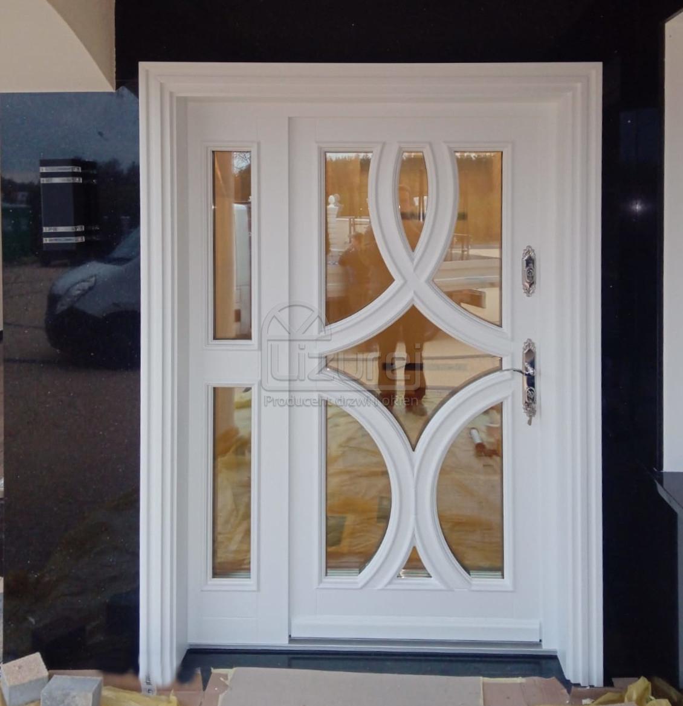 Drzwi drewniane zewnętrzne białe LZ641