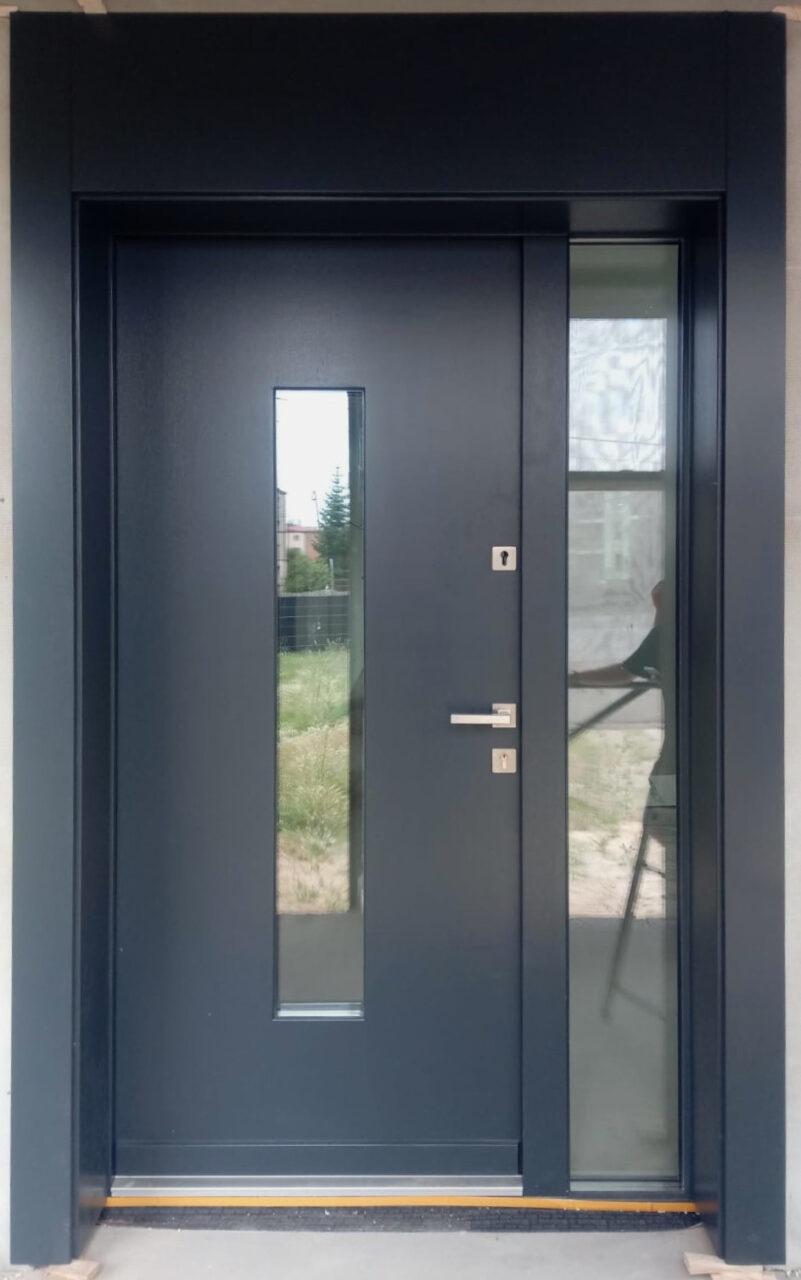 Drzwi drewniane z dostawką i oprawą na elewacje nowoczesne antracyt LZ 650